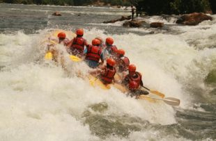 white-water-rafting-354505_1280 PIXABAY FREE